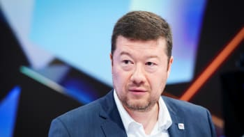 Hnutí SPD je xenofobní, covid zastavil neonacisty. Vláda schválila zprávu o extremismu