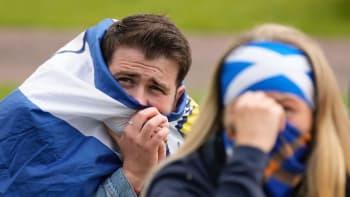 """Fňukání a horor. Skotská média kritizují své fotbalisty a velebí """"drzého"""" Schicka"""