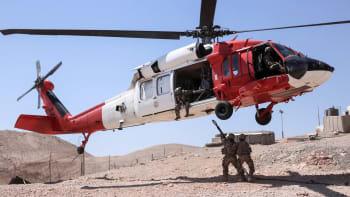 Zeman obvinil islámské radikály. Za pád vrtulníku s Češkou však může závada