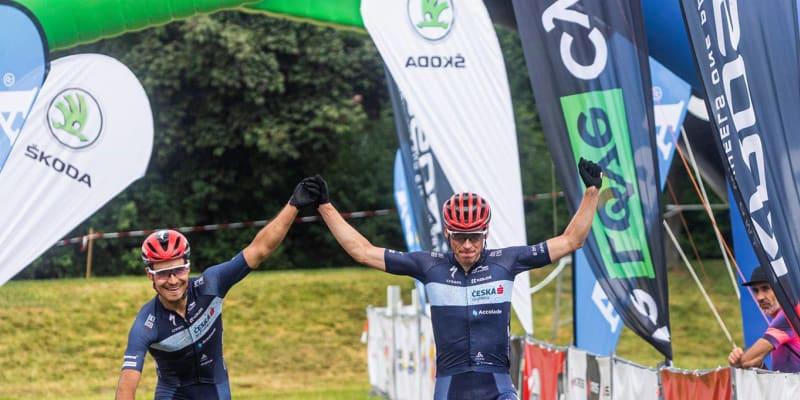 Pro starší byly připraveny tři trasy o délkách 16, 40 a 80 kilometrů. Nejnáročnější trasu na 80 kilometrů zvládli nejrychleji jezdci týmu Česká Spořitelna-Accolade Matouš Ulman a Tomáš Višňovský.