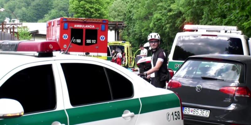 Řidič na Slovensku srazil rodinu na kolech.