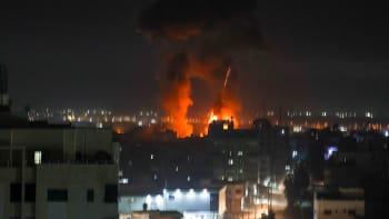 Izrael znovu bombardoval Pásmo Gazy. Reagoval na zápalné balony vyslané Palestinci