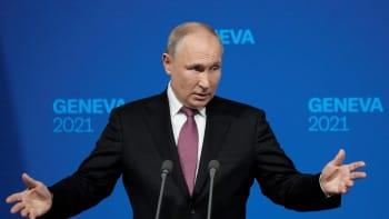 Putin: Kyberútoky k dnešnímu světu patří. Navalnyj je zločinec a extremista