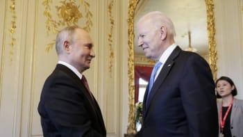Prezident USA Biden a šéf Kremlu Putin se sešli v Ženevě. Jednají o Ukrajině i Navalném