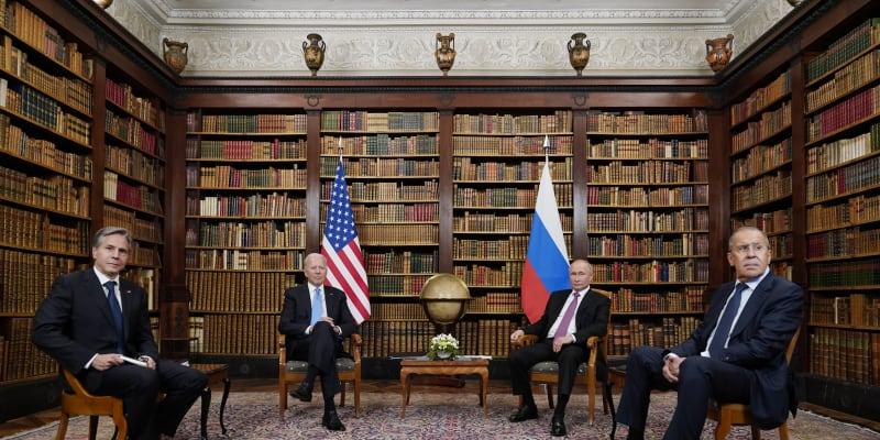 Hlavy států dorazily na jednání i se svými ministry zahraničí.
