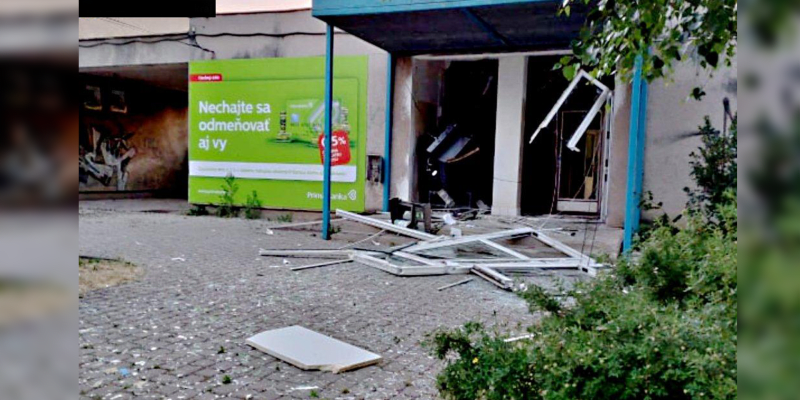 Na Slovensku řádí bankomatová mafie. Přístroje vyhazuje do povětří.