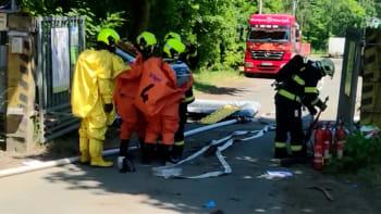 Dva mrtví po úniku nebezpečné látky z plzeňské čističky. Další dva jsou ve vážném stavu