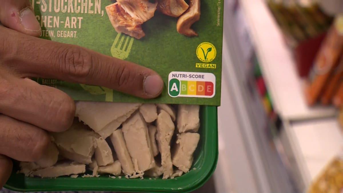 Nesmyslný nutriční semafor EU? Hranolky i chipsy jsou podle něj zdravější než losos