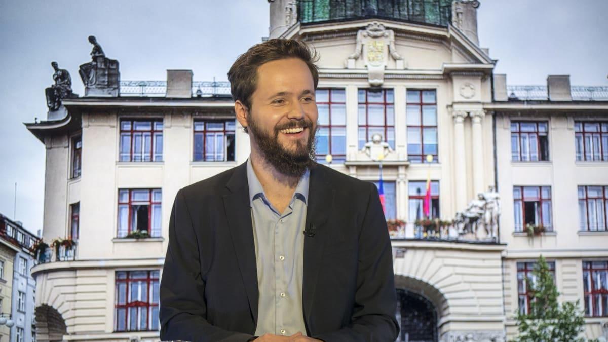 Pirátský kandidát na ministra považuje vyšší zdanění za nejlepší řešení bytové krize