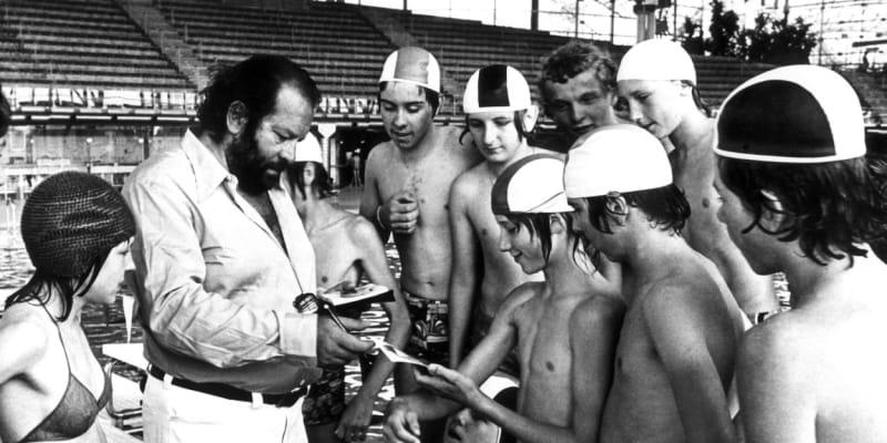 Bud Spencer se původně nechtěl stát hvězdou filmovou, nýbrž sportovní. Už na škole začal závodně plavat.