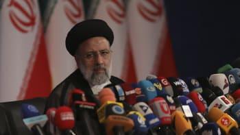"""Kdo je nový íránský prezident Raísí? """"Řezník z Teheránu"""" poslal na smrt tisíce lidí"""