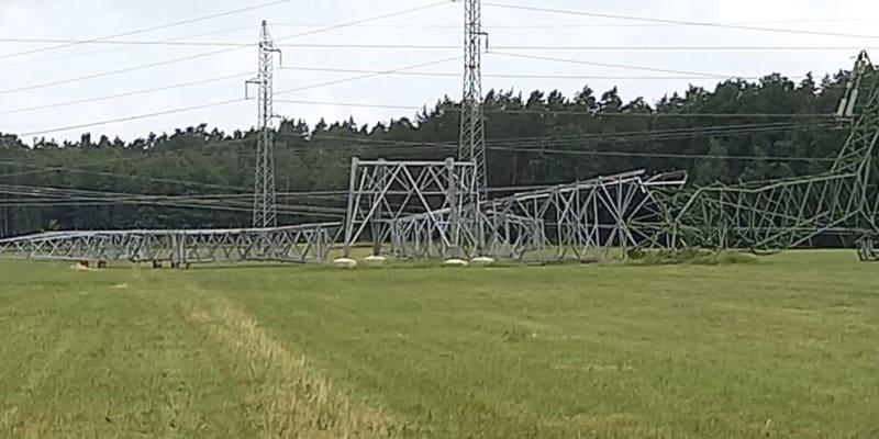 Druhý blok chtěli energetici původně odstavit kvůli výměně paliva 2. července.