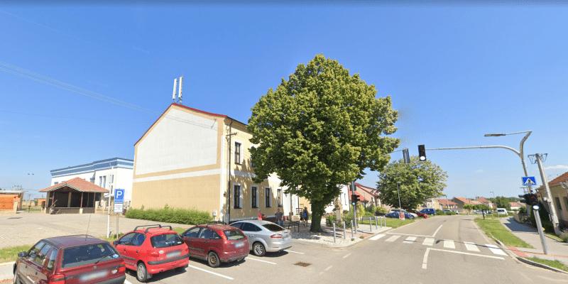 Hrušky - křižovatka - Google street view