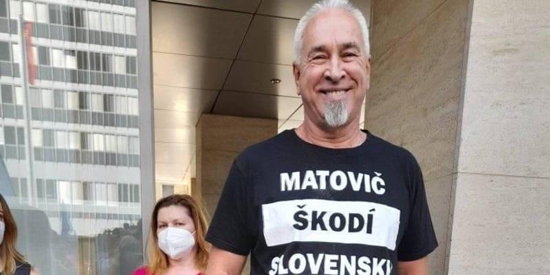 Lidé projevovali i svůj názor na bývalého premiéra Igora Matoviče. (autor: Facebook/Odborový svaz KOVO)