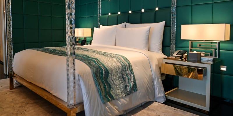 J Hotel v Šanghaji nabízí luxusní pokoje.