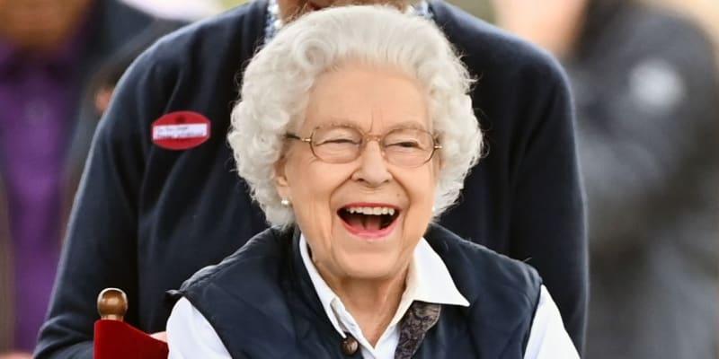 Královna Alžběta II. v pátek během události Royal Windsor Horse Show (zdroj: royalfocus1)