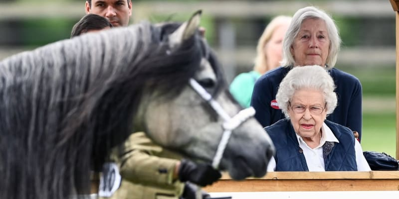 Královna Alžběta II. během druhého dne Royal Windsor Horse Show (zdroj: royalfocus1)