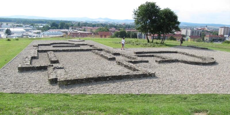 Uherské Hradiště, Metodějova výšina v Sadech. Tohle místo považuje za Metodějův hrob archeolog  Ludek Galuška. (Zdroj: Wikipedie)