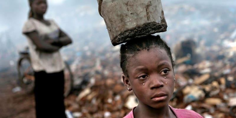 Skládka elektroniky v Ghaně