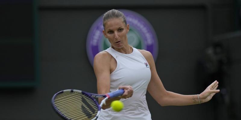Česká tenistka Karolína Plíšková během zápasu se Švýcarkou Viktorijí Golubicovou