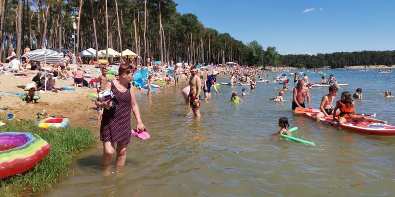Horké dny lákají Čechy k vodě.