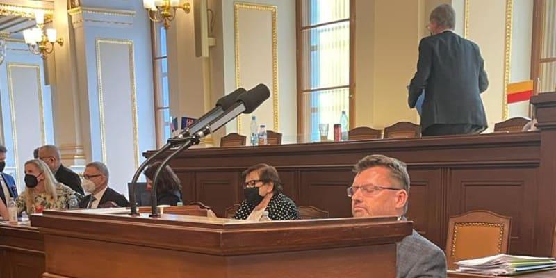 Poslanec Lubomír Volný blokoval jednání Sněmovny.