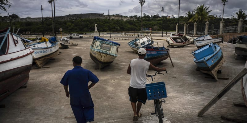 Tropická bouře Elsa udeřila na Kubu, směřuje k severní části.