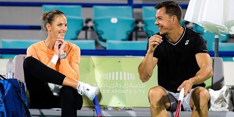 Jedním z úkolů trenéra Aleksandara Bajina je i rozesmát českou tenistku Karolínu Plíškovou.
