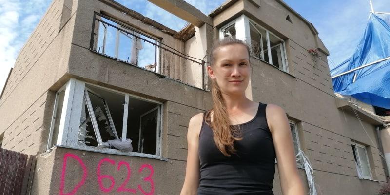 Hospodská v Lužicích Aneta Stibůrková. Tato část hospody, která patří její tetě, bude na příkaz statiků zdemolována.