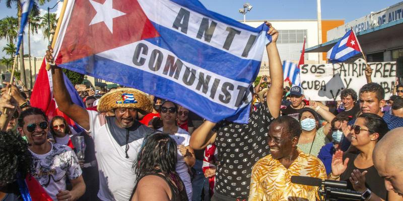 Na Kubě chtějí skoncovat s diktaturou.