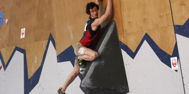 Adam Ondra na umělé stěně