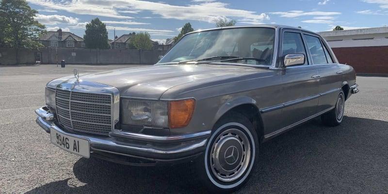 Mercedes-Benz 450 SEL z roku 1980 po zpěvákovi ze skupiny U2