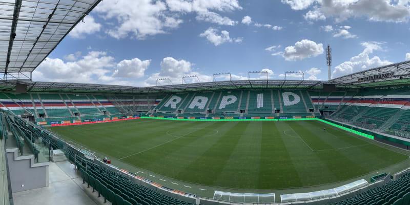 Panoramatický pohled na stadion Rapidu Vídeň, na němž v úterý odehraje Sparta první soutěžní zápas nové sezony v kvalifikaci Ligy mistrů.