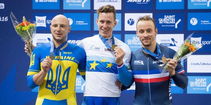 Tomáš Bábek (uprostřed) se zlatou medailí z mistrovství Evropy