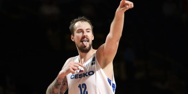 Ondřej Balvín je s 217 centimetry nejvyšším hráčem českého týmu.