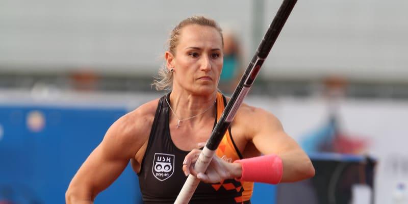 Romana Maláčová je česká výškařka.