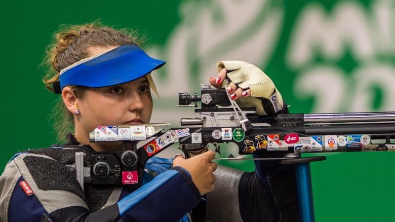Češi na olympiádě: Účast na hrách si vystřílela Mazurová, ale soutěžit bude Šarounová