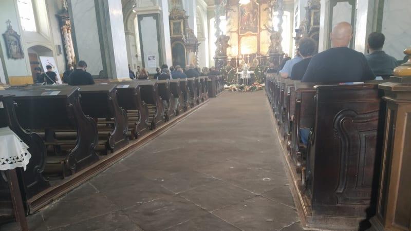 """Pohřeb českého """"Floyda"""" z Teplic: Velkolepé plány zhatila podvodná sbírka"""