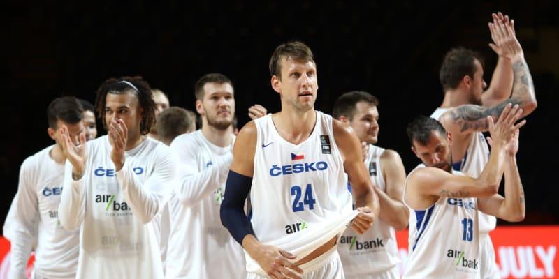 Český basketbalový tým a jedna z jeho opor Jan Veselý