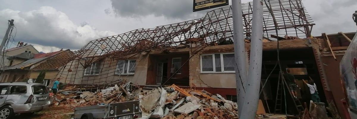 Bez pomoci to nezvládneme. Na jihu Moravy opět řádily bouře, dobrovolníci ale chybí