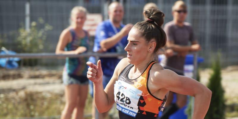 Lada Vondrová je česká běžkyně.