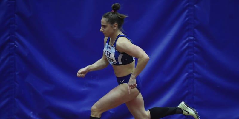 Lada Vondrová je česká atletka.