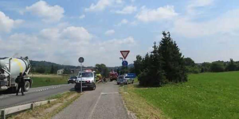 Cyklista byl ve vážném stavu z místa nehody letecky transportován do nemocnice a od té doby kriminalisté čekají, zda se k němu někdo přihlásí.