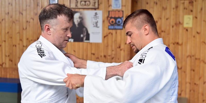 Judista David Klammert na tréninku (vpravo)