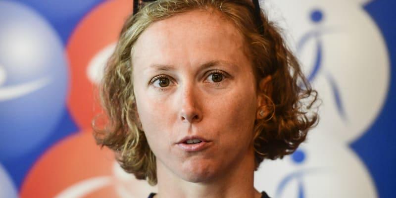 Vendula Frintová je česká atletka.