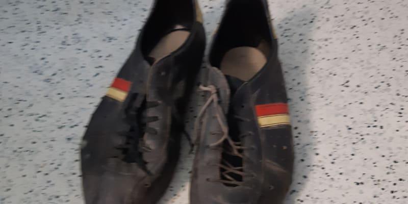 Boty sraženého cyklisty