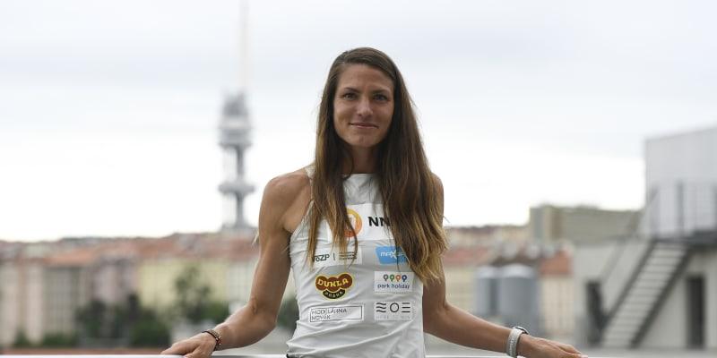 Marcela Joglová běhá dlouhé tratě.