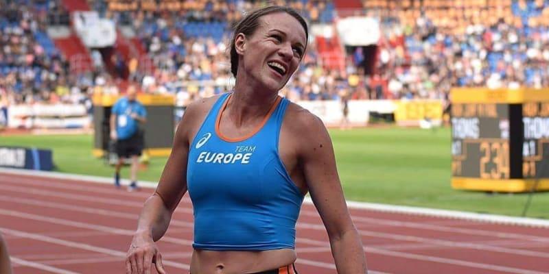 Běžkyně Simona Vrzalová na závodní dráze (autor: Simona Vrzalová / Zdeňka Kusáková)