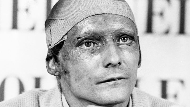 Lauda před 45 lety na trati málem uhořel. Za pár týdnů bojoval pilot F1 o titul