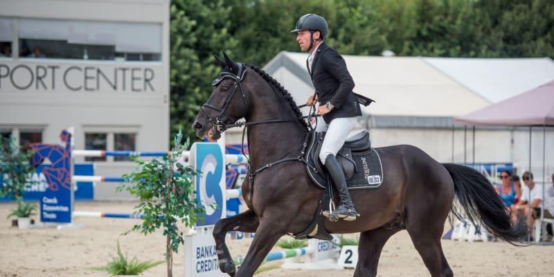 Kamil Papoušek se svým koněm jménem Warness (autor: Kamil Papoušek)